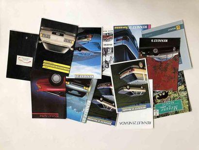 Lot catalogues Alpine et Renault  Modèles...
