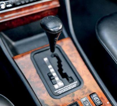 1990 Mercedes-Benz 500 SEC Exemplaire en très bon état d'origine Seulement 3 propriétaires...