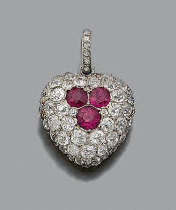 PENDENTIF «COEUR» Diamants taille ancienne,...