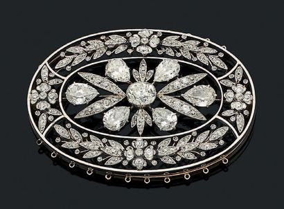 ELÉMENT «GUIRLANDE» Diamants poires et ronds...