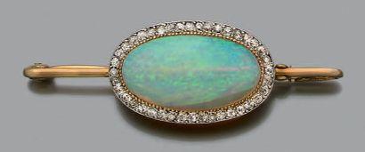 BROCHE BARRETTE Opale, diamants, or jaune...
