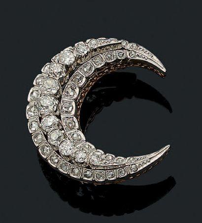 BROCHE «LUNE» Diamants taille ancienne et...