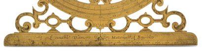 Exceptionnel cercle d'arpentage en laiton doré richement découpé de volutes feuillagées...