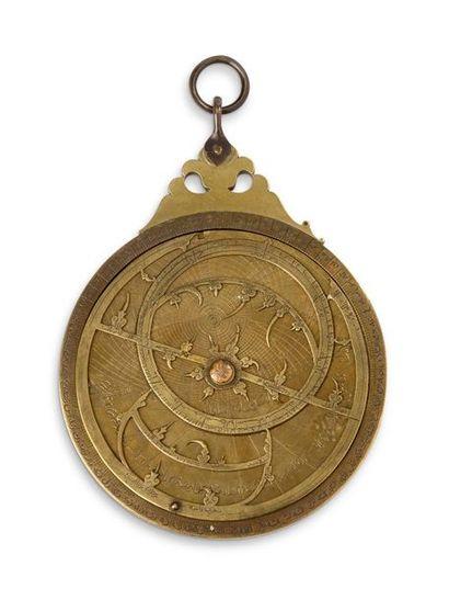 Rarissime astrolabe islamique persan en bronze...