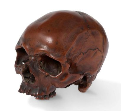 Crâne en buis sculpté Sans machoire inférieure. Taillé en plusieurs morceaux. Allemagne,...