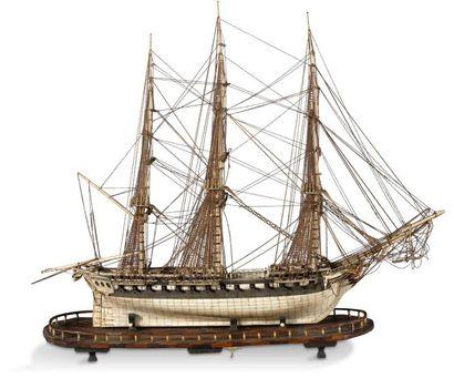Travail de ponton Belle maquette du vaisseau...