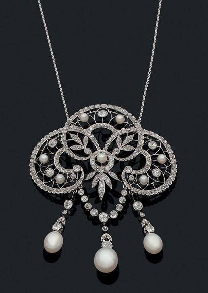 IMPORTANT PENDENTIF «GUIRLANDE» Diamants...