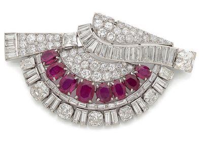 GRANDE BROCHE «ÉVENTAIL» Diamants ronds,...