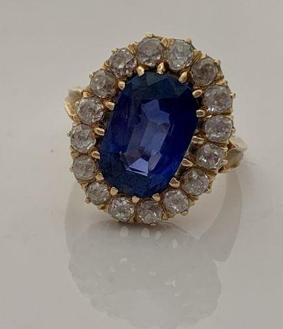 BAGUE«SAPHIR» Saphir entourage diamants de taille ancienne Or jaune 18K (750) Poids...