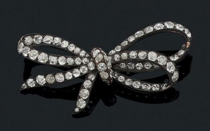 BROCHE «NOEUD» Diamants taille ancienne Or...