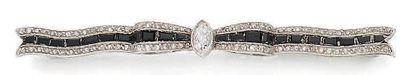 BROCHE «NOEUD» Diamants taille ancienne et...