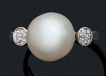 BAGUE Perle de culture, diamants, platine...