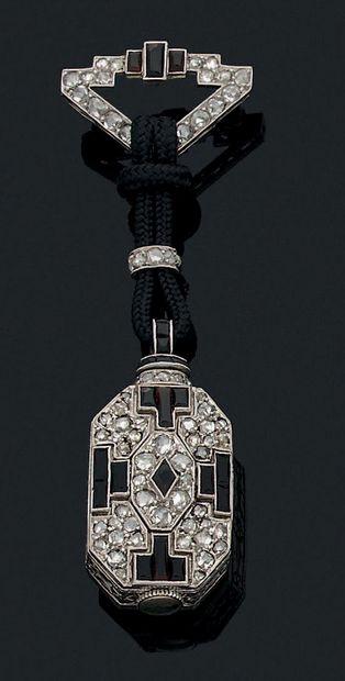 Montre et sa chatelaine Diamants taille...