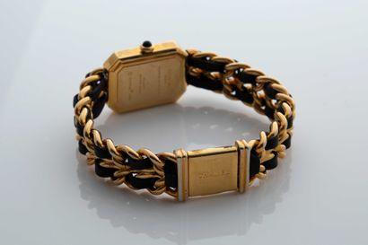 Chanel Chanel  Première  Vers 1990  Boitier plaqué or  Mouvement quartz  Dim: 19x26mm...