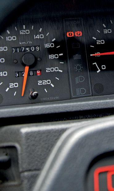 1987 Peugeot 205 GTI 1.9 17 500 km d'origine 3e main Très rare version phase 1 Carte...