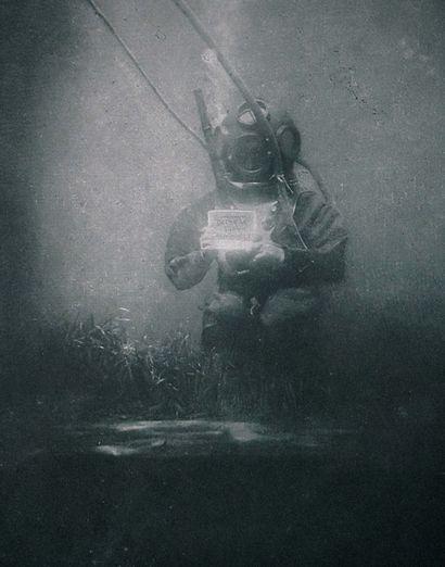 NEW FRENCH TOUCH Underwater One, 2021 Interprétation digitale de la première photographie...