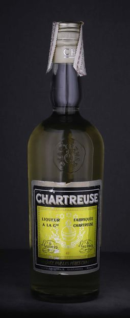 1 bouteille Chartreuse Jaune Tarragone « La Fabiola » Période 1966-1973 - Pères...