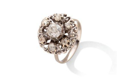 Bague  Diamants de taille ancienne, or 18K...