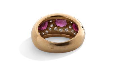 """Bague """"rubis""""  Rubis, diamants, or jaune 18K (750)  Td.: 52 - Pb.: 8.4gr Cliquez..."""