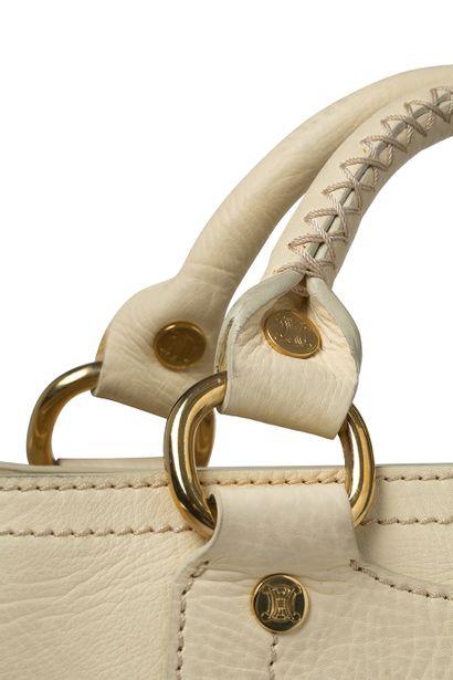 Celine Céline  Cuir beige  Double anses, garniture métal doré  Intérieur tissu beige...
