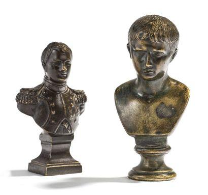 DEUX PETITS BUSTES Un buste de l'Empereur...
