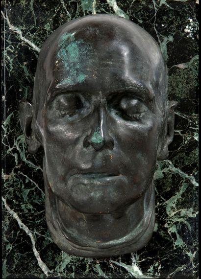MASQUE MORTUAIRE en bronze de Napoléon Ier....