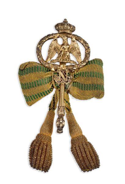 CLÉ DE CHAMBELLAN en bronze munit d'un crochet...