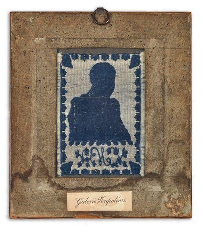 SOIERIE LYONNAISE du début du XIXe siècle représentant le portrait de l'Empereur...