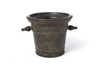 Mortier en bronze armorié