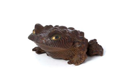JAPON, Crapaud en bois sculpté