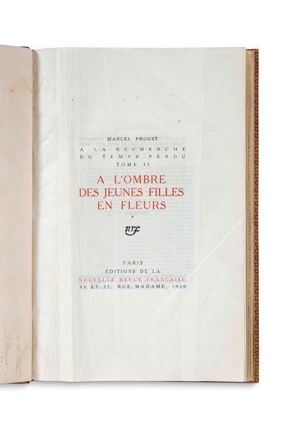 PROUST Marcel (1871-1922) • À l'ombre des jeunes filles en fleurs (Paris, Éditions...