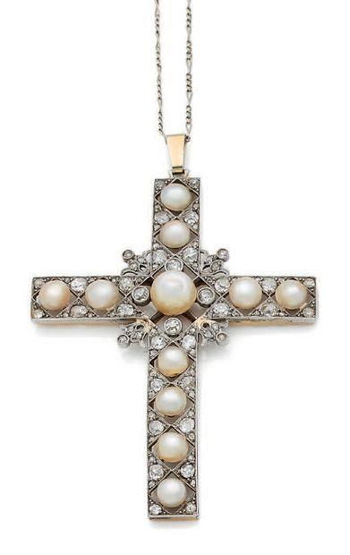 PENDENTIF «CROIX» Diamants taille ancienne,...