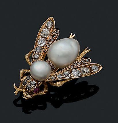 BROCHE «ABEILLE» Perles fines, diamants taille...