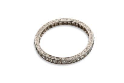 Alliance Alliance  Diamants taille rose, platine (850)  Td.: 52 - Pb.: 2.6gr Cliquez...