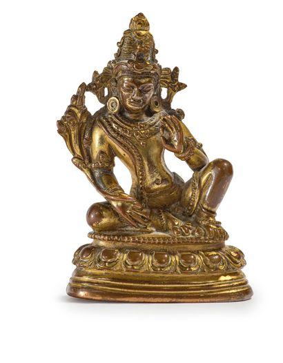 TIBET XVIIE - XVIIIE SIÈCLE Petit sujet en bronze doré, représentant une Tara blanche,...