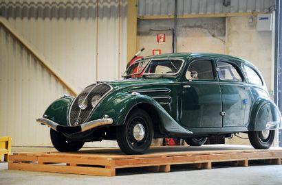 1937 Peugeot 402 Limousine
