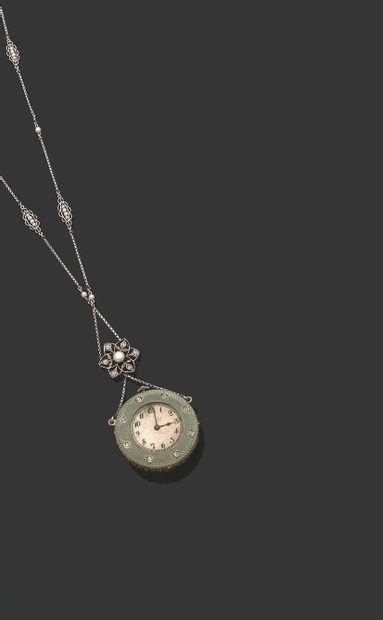 COLLIER «MONTRE DE DAME» Perle mabe et diamants taille ancienne, au revers émail...