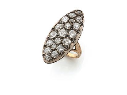 BAGUE «NAVETTE» Diamants taille ancienne Or jaune 18k et argent ( Td. : 46.5 - Pb....
