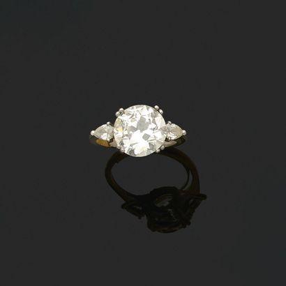 BAGUE «DIAMANTS» Diamant taille ancienne,...
