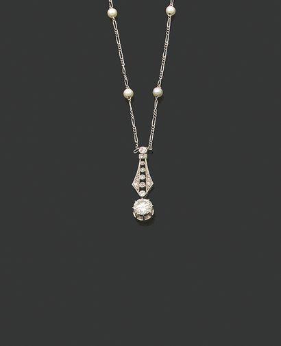 COLLIER Diamants ronds, perles, platine (950)...