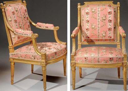 Belle paire de fauteuils à dossier plat,...