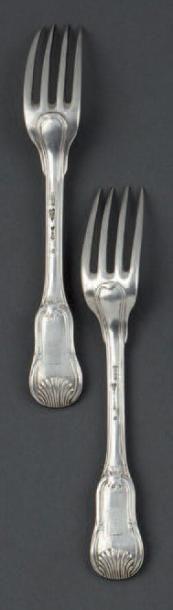 Paire de fourchettes en argent, modèle violoné...