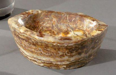 Benitier en bois fossilisé L: 12.5 - P: 10...