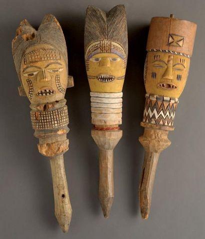 Kuyu. (Congo) Ensemble de trois marottes...