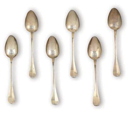 Suite de six cuillères en vermeil à spatules...