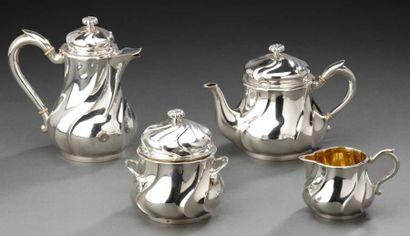 Service thé-café égoïste en argent composé de quatre éléments une theière, une cafetière,...