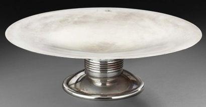 Coupe circulaire en métal argenté légèrement...