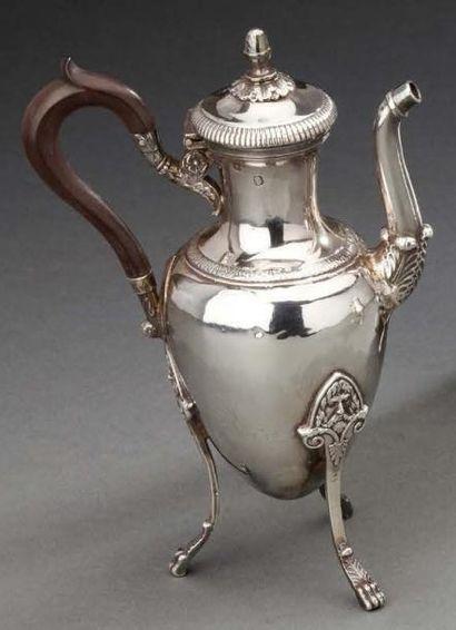 Petite verseuse tripode en argent.Paris 1809-1918...