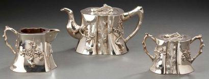 Service à thé en argent composé d'une théière,...