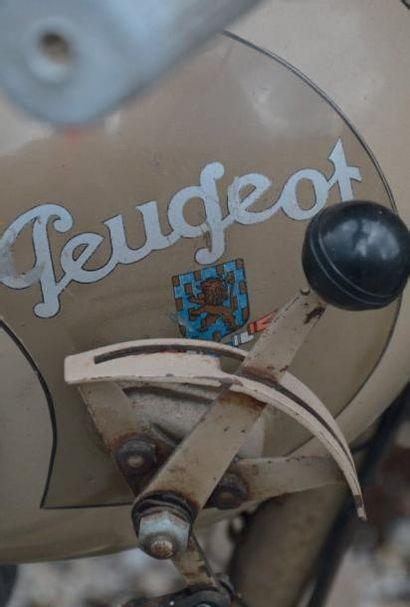 1951 PEUGEOT TYPE 55 GL En véritables pionniers des deux roues motorisés, les frères...